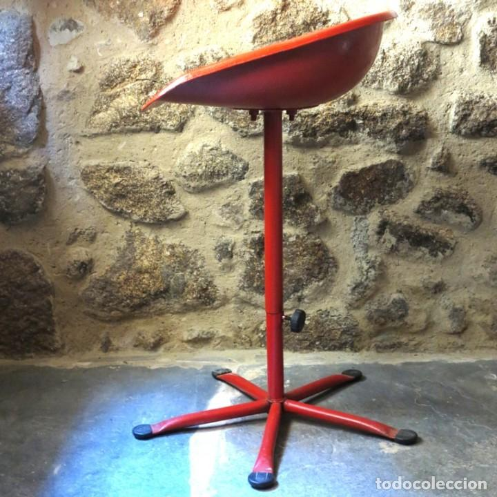 Vintage: Silla vintage de hierro con asiento de tractor. 1950 - 1959 - Foto 6 - 111795999
