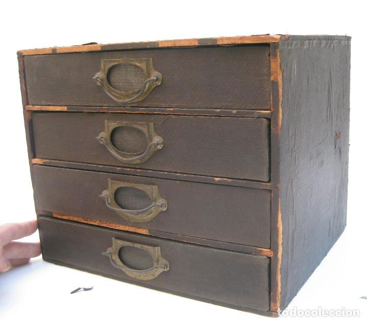 mueble antiguo cabinet ingles en madera y laton comprar. Black Bedroom Furniture Sets. Home Design Ideas