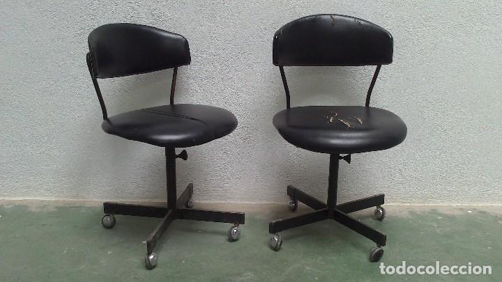 lote de 2 sillas de oficina con ruedas años 50/ - Kaufen Vintage ...