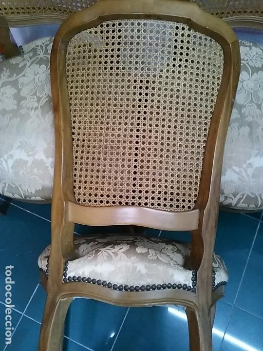 Lote de 4 sillas de comedor. Respaldo de rejilla. Sólo recogida en  Barcelona.
