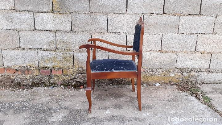 Vintage: Silla descalzadora antigua retro vintage, tapizado azul. Butaca sillón descalzador antiguo - Foto 4 - 121482263