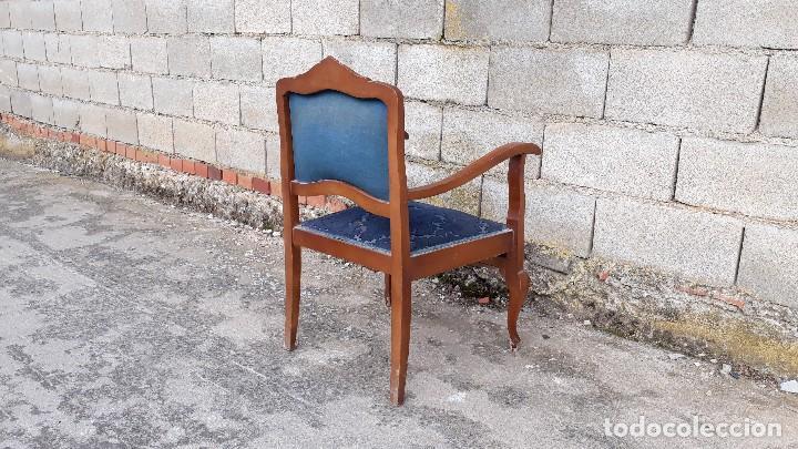 Vintage: Silla descalzadora antigua retro vintage, tapizado azul. Butaca sillón descalzador antiguo - Foto 5 - 121482263