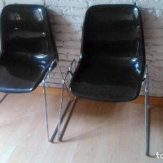 Vintage: PAREJA DE SILLAS DE OFICINA, SALA DE ESPERA, ETC... CON EL CROMADO RECIÉN HECHO PERO QUE DEBEN . Lote 121663175