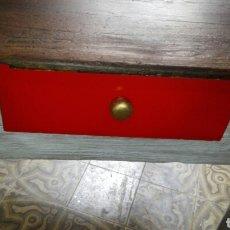 Vintage: MESA ANTIGUA PINO MACIZO ACABADO ESPECIAL 80X70X75. Lote 122956158