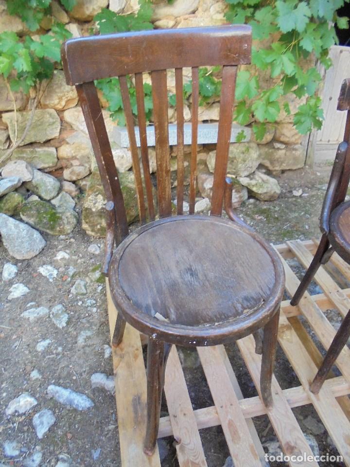 Vintage: 2 SILLAS RETRO ESTILO TONET - MADERA MACIZA - Foto 3 - 128121999
