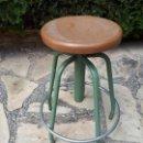 Vintage: TABURETE DE TALLER O LABORATORIO. REGULABLE EN ALTURA.. Lote 130771828