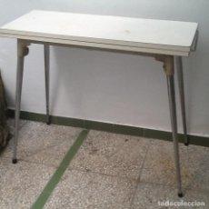 Vintage: MESA DE COCINA EXTENSIBLE. Lote 131143756