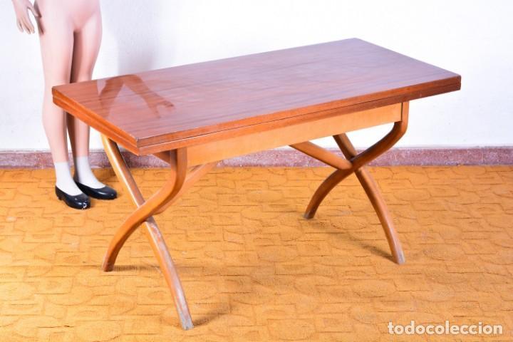 Mesa vintage de sofá convertible en mesa de com - Verkauft ...