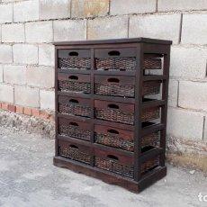 Vintage: MUEBLE AUXILIAR ANTIGUO, CAJONERA CESTERA, MUEBLE CON CAJONES DE MIMBRE PARA COCINA ESTILO RÚSTICO. Lote 132216730
