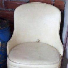 Vintage: BUTACA DESCALZADORA 1975. Lote 134434554