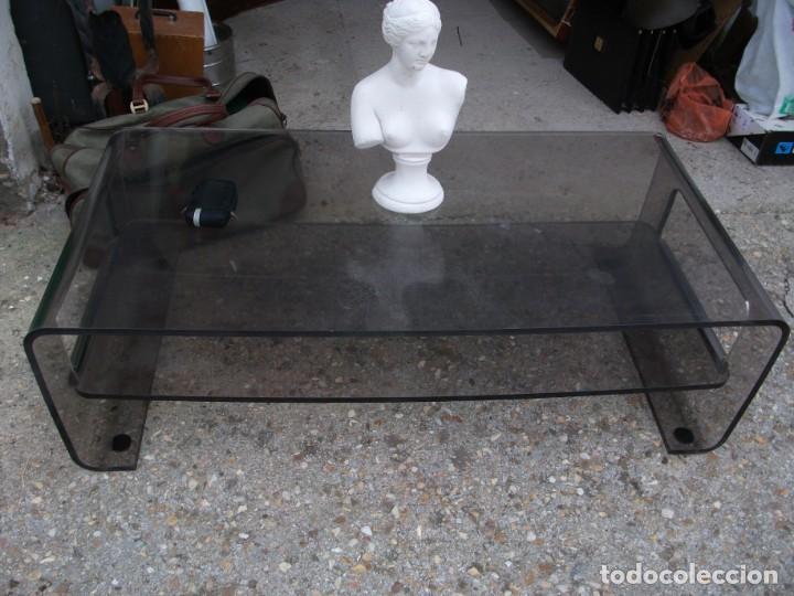 MESA DE CENTRO EN METACRILATO COLOR OSCURO BALDA INFERIOR ALGO RALLADA MEDIDA 120 X 60 X 34 ALTURA (Vintage - Muebles)