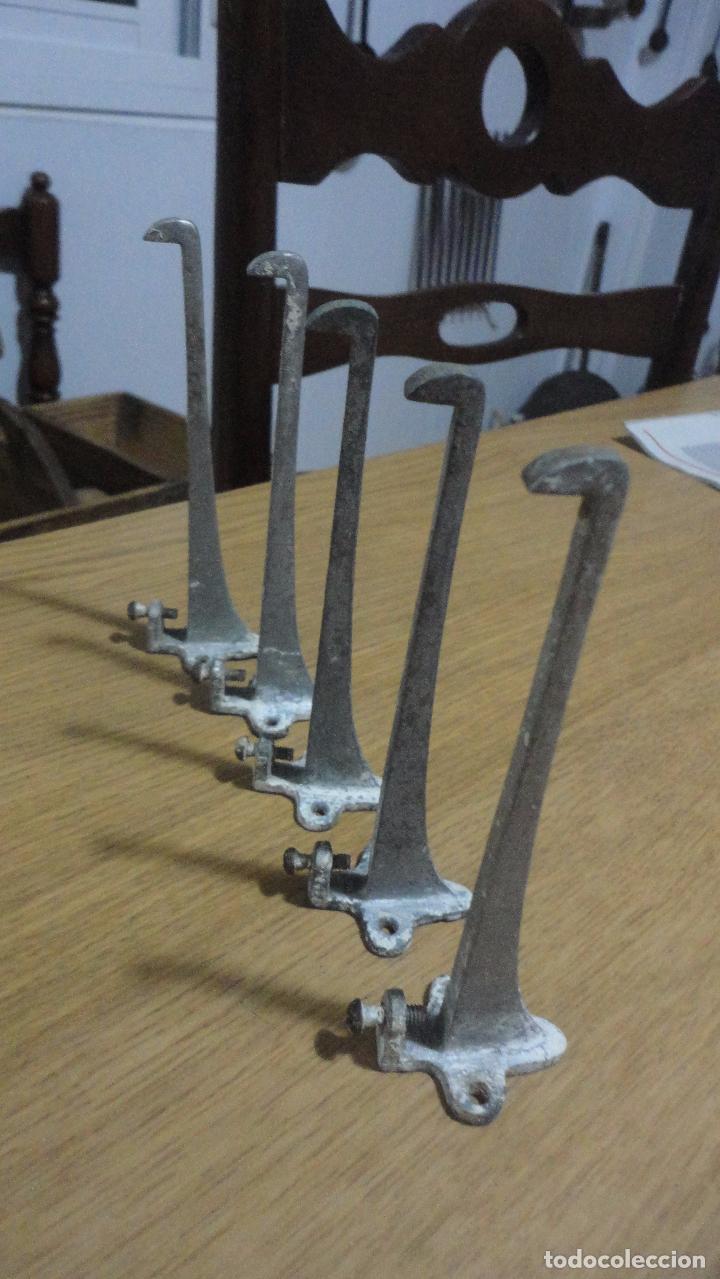 antiguo conjunto de 5 soportes de metal.repisa. - Comprar ...