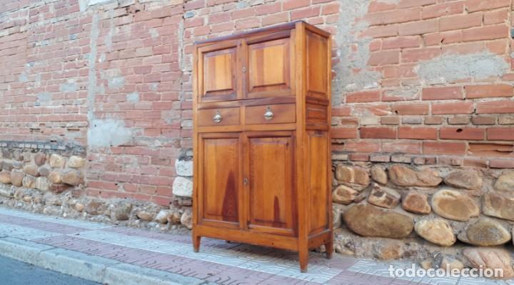 Alacena antigua estilo rústico, años 20. Armario mueble de cocina o mueble  auxiliar antiguo vintage