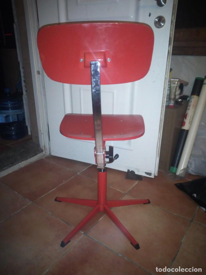 Vintage: Antigua silla de escritorio, acero y madera. Vintage - Foto 3 - 139032186