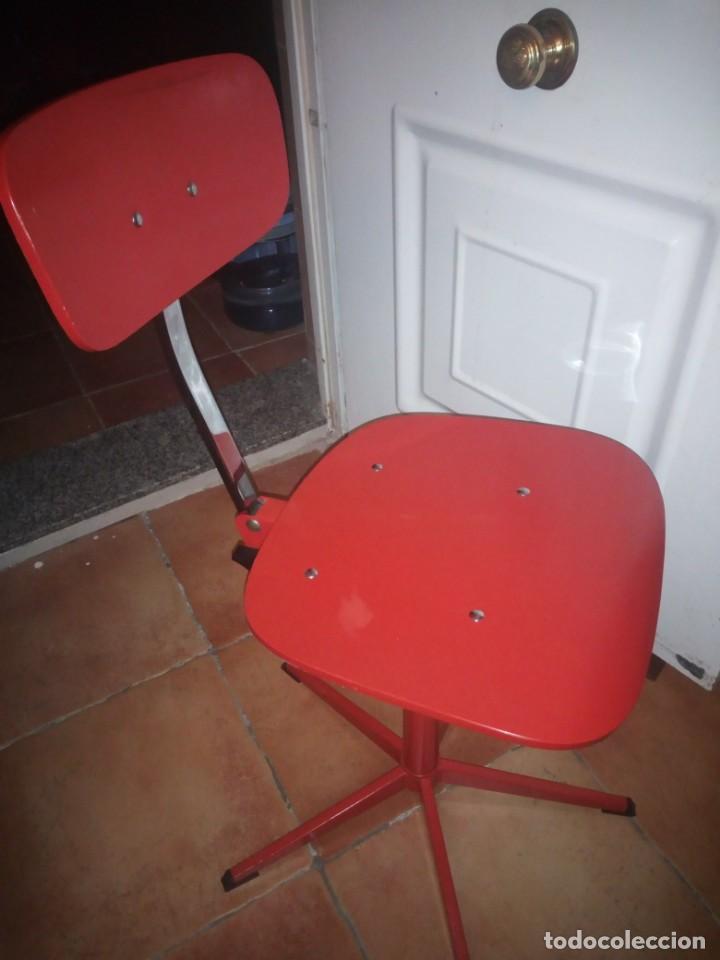 Vintage: Antigua silla de escritorio, acero y madera. Vintage - Foto 4 - 139032186