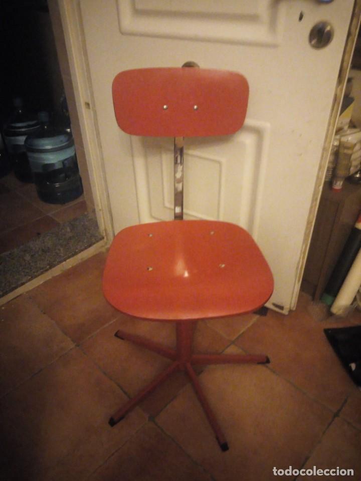 Vintage: Antigua silla de escritorio, acero y madera. Vintage - Foto 6 - 139032186