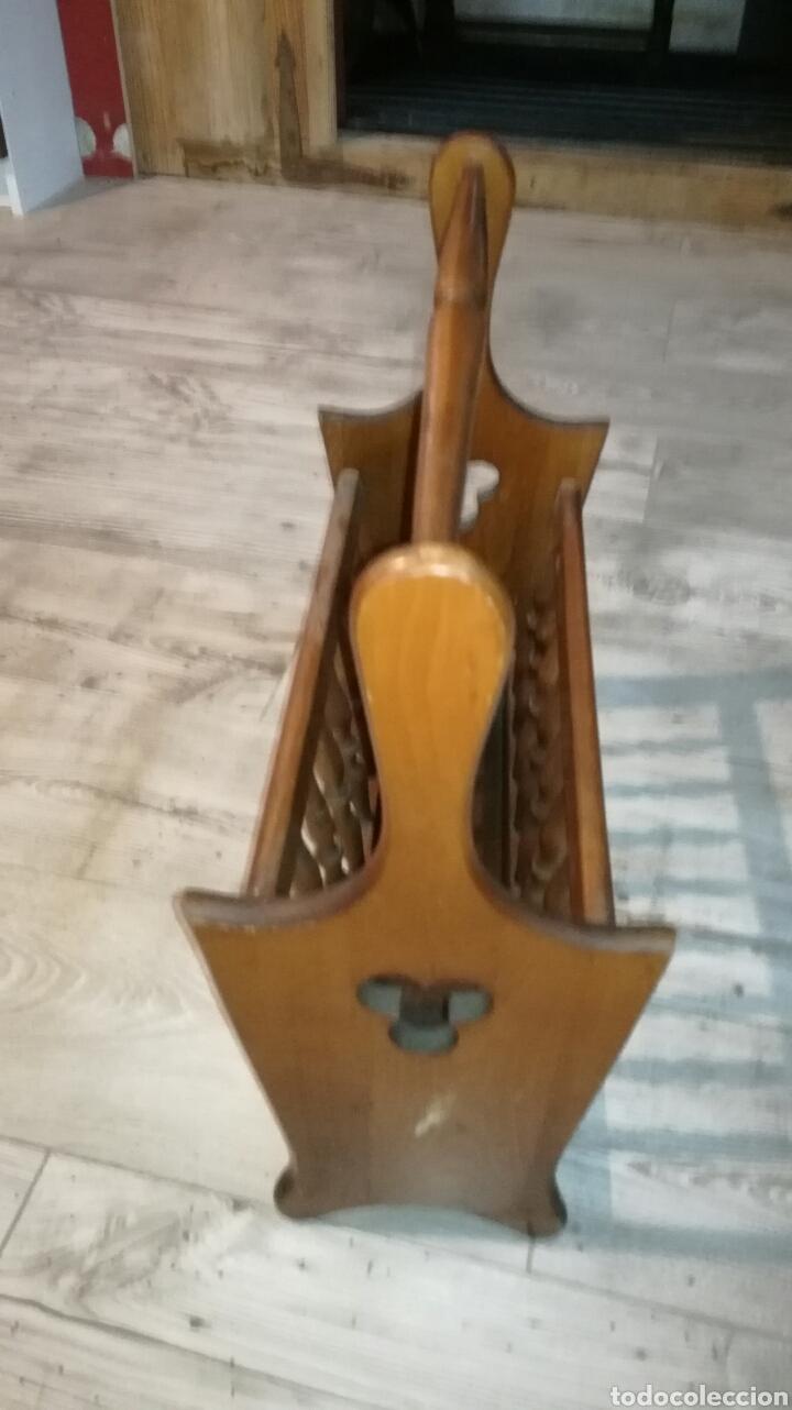 Vintage: Revistero de madera de haya en buen estado - Foto 2 - 139636534