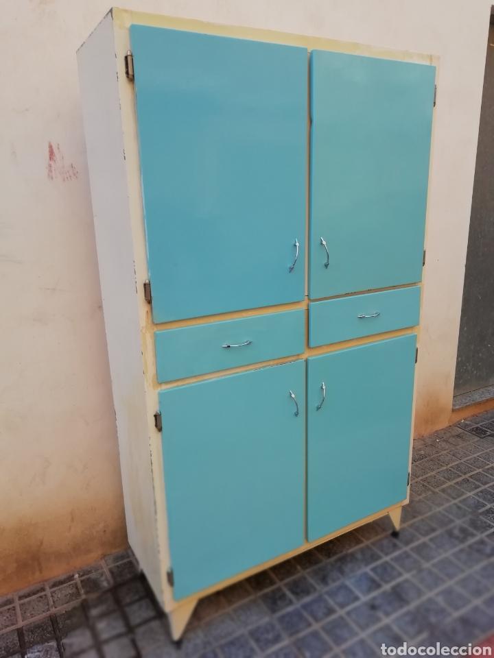 Mueble de cocina retro