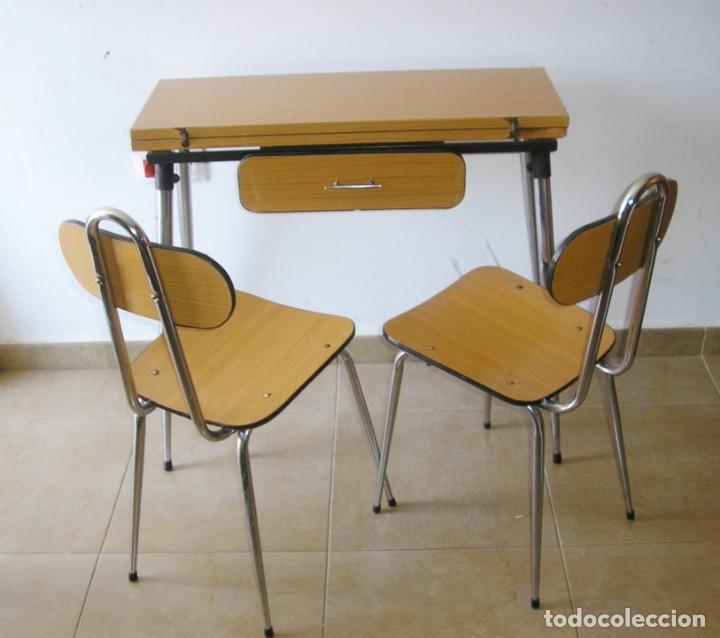 Mesa de cocina plegable y 2 sillas. - Vendido en Venta Directa ...