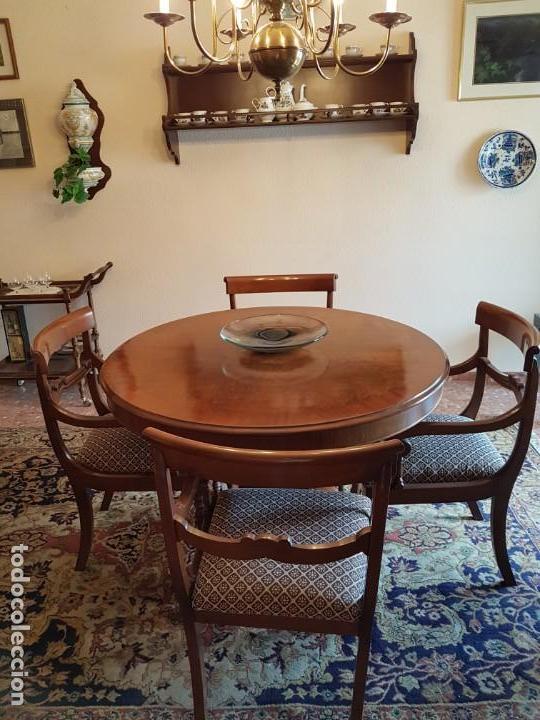 mesa madera de nogal y 4 sillones tapizados de - Kaufen Vintage ...