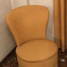 Vintage: BUTACAS Y PUF. AÑOS 50. Lote 143093342
