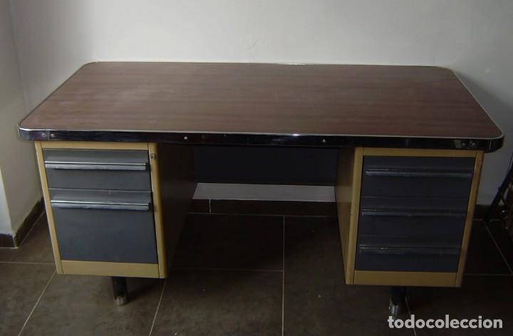 MESA DE DESPACHO,ESCRITORIO ESTILO INDUSTRIAL. (Vintage - Muebles)