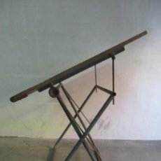 Vintage: CURIOSA MESA DE ARQUITECTO - TOPÓGRAFO - INDUSTRIAL - IDEAL PARA PLANOS - AÑOS 60. Lote 146012882