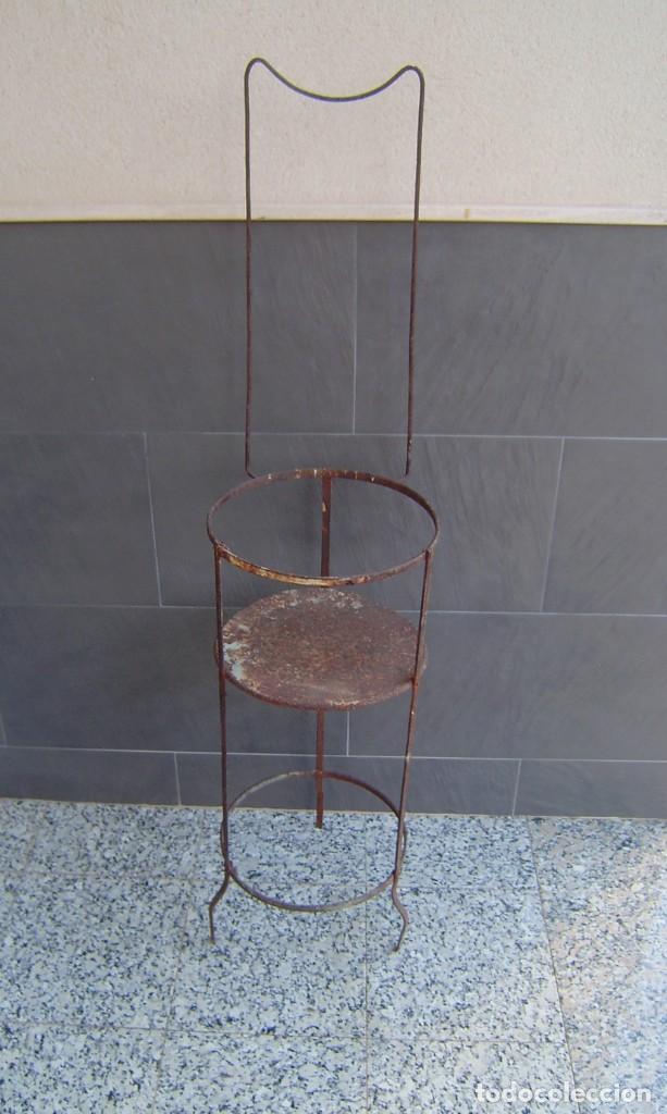 Vintage: Antiguo palanganero de hierro. - Foto 2 - 148241006