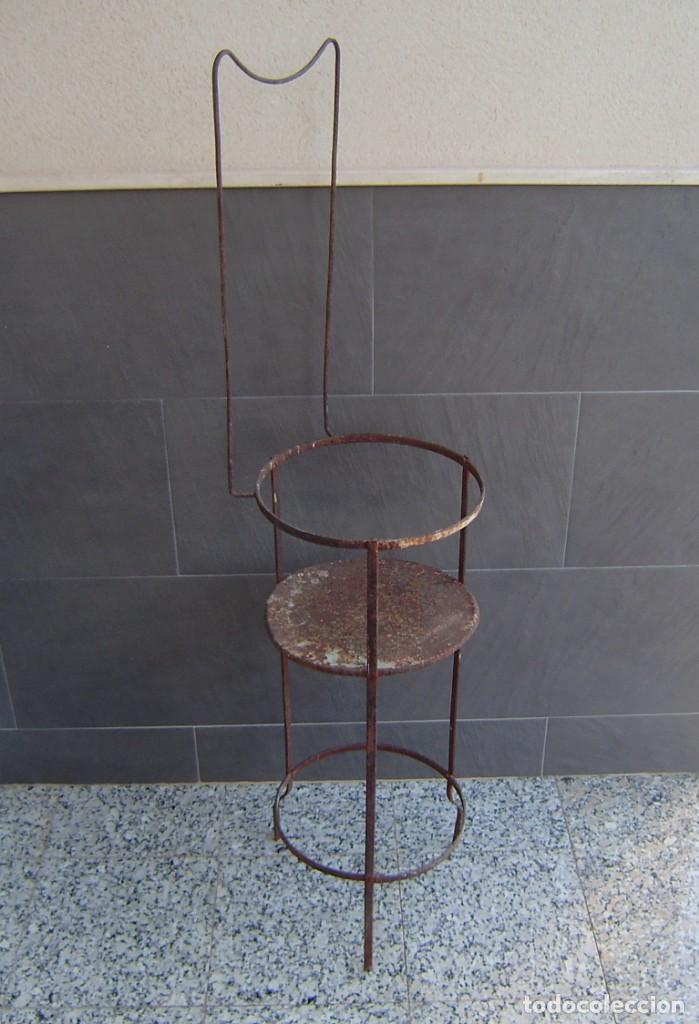 Vintage: Antiguo palanganero de hierro. - Foto 4 - 148241006