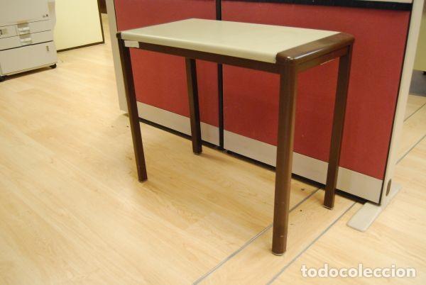 mesa auxiliar de oficina metálica, en marrón y - Kaufen Vintage ...