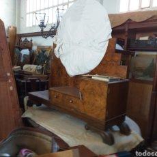 Vintage: MUEBLE TOCADOR DE RAÍZ DE OLIVO MEDIDAS 110X45X 150 ALTURA. Lote 152472594