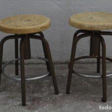 Vintage: PAREJA DE BANQUETAS DE TRABAJO. Lote 152488326