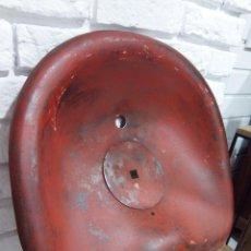 Vintage: ANTIGUO ASIENTO DE TRACTOR. Lote 153068526