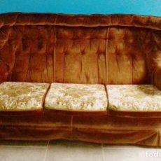 Vintage: VINTAGE - SOFA EN TERCIOPELO.. Lote 155037286