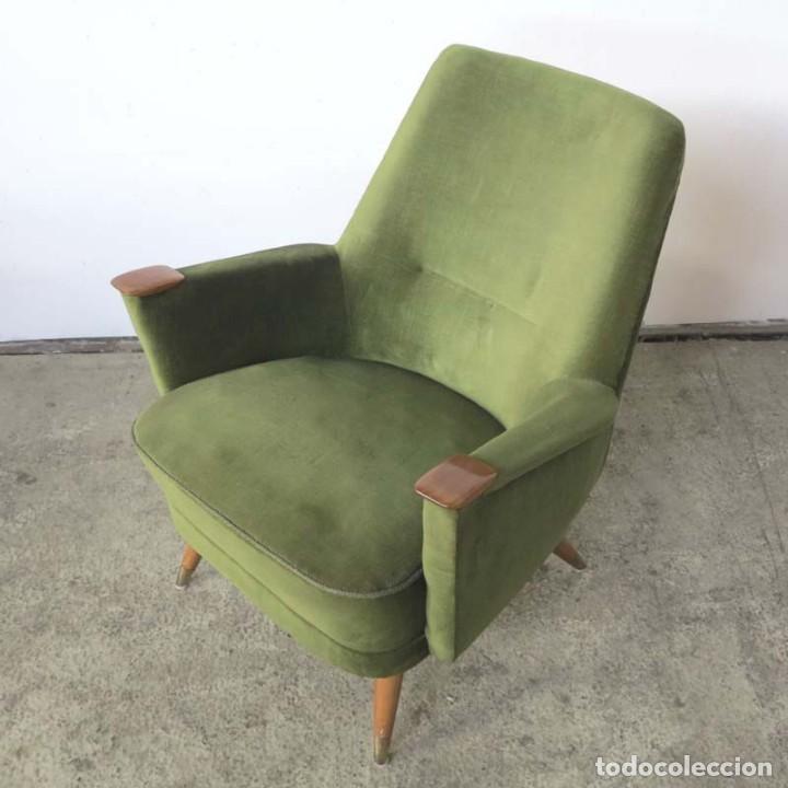 Vintage: Pareja de sillones vintage verdes con brazos de madera. 1950 - 1959 - Foto 3 - 155164914