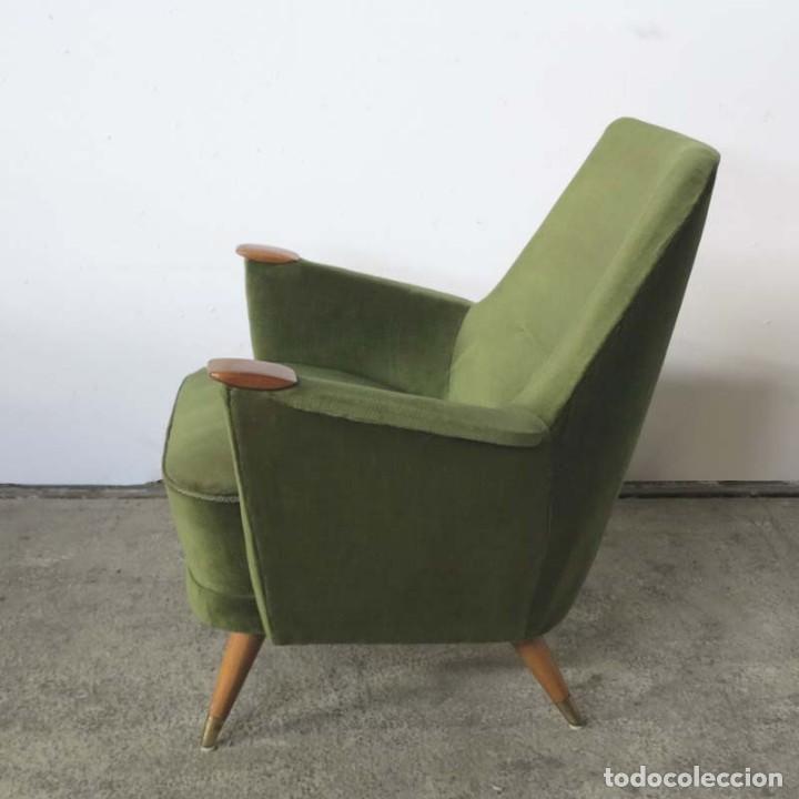 Vintage: Pareja de sillones vintage verdes con brazos de madera. 1950 - 1959 - Foto 4 - 155164914