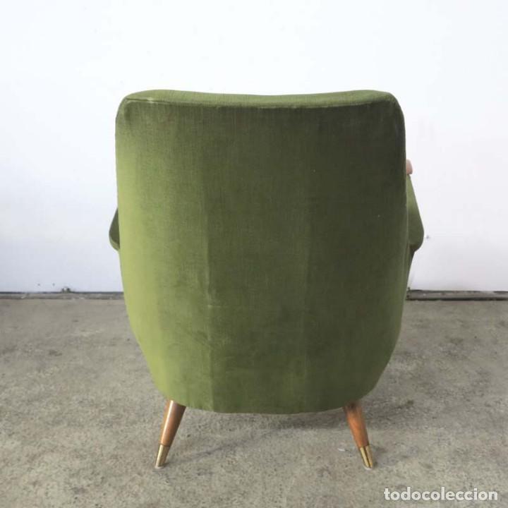 Vintage: Pareja de sillones vintage verdes con brazos de madera. 1950 - 1959 - Foto 5 - 155164914