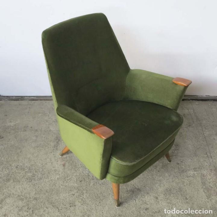 Vintage: Pareja de sillones vintage verdes con brazos de madera. 1950 - 1959 - Foto 9 - 155164914