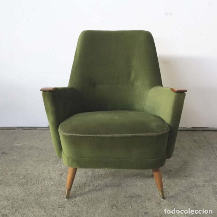 Vintage: Pareja de sillones vintage verdes con brazos de madera. 1950 - 1959 - Foto 10 - 155164914