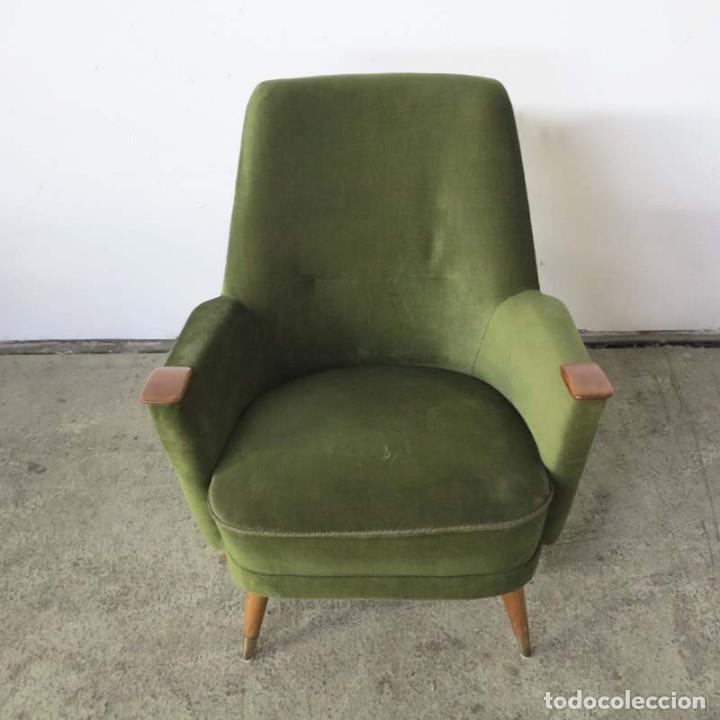 Vintage: Pareja de sillones vintage verdes con brazos de madera. 1950 - 1959 - Foto 11 - 155164914