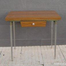 Vintage: MESA DE COCINA EXTENSIBLE.AÑOS 60.. Lote 155323566