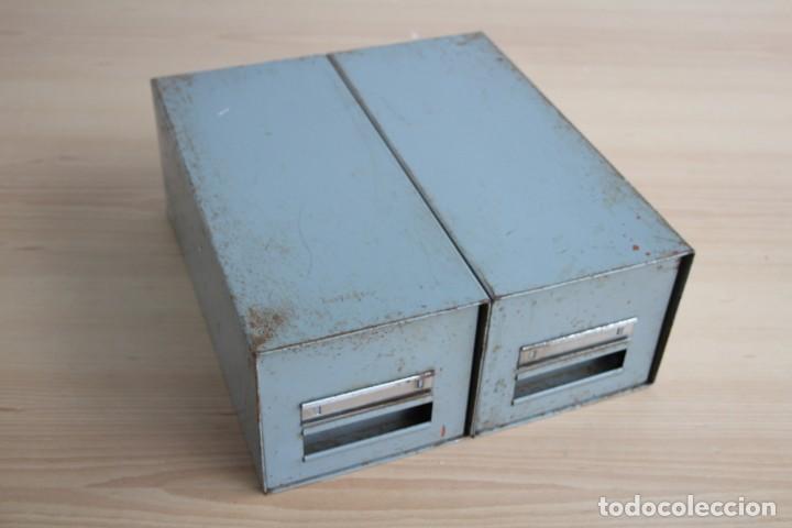 Vintage: Antiguo archivador metálico con dos cajones. Industrial. Años 60. - Foto 2 - 195386803