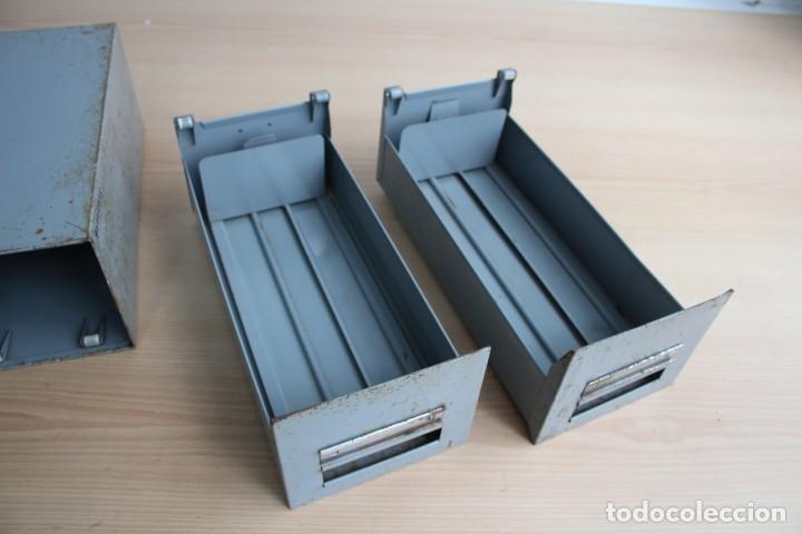Vintage: Antiguo archivador metálico con dos cajones. Industrial. Años 60. - Foto 3 - 195386803