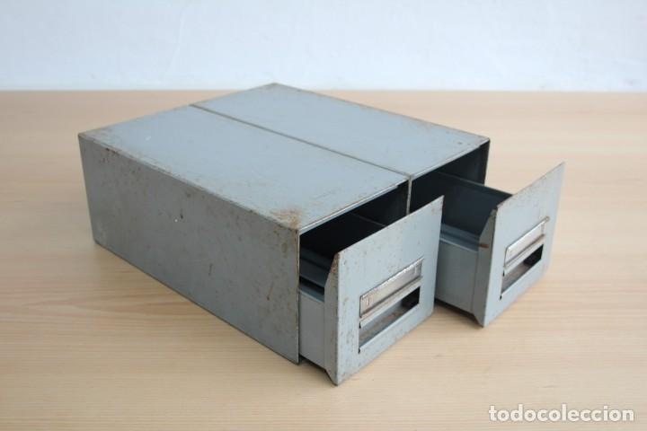 Vintage: Antiguo archivador metálico con dos cajones. Industrial. Años 60. - Foto 6 - 195386803