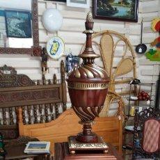 Vintage: GRAN TIBOR O CAPA EN MADERA CON MUEBLE AUXILIAR . Lote 156052578