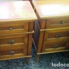 Vintage: JUEGO 2 MESITAS DE NOCHE CEREZO 3 CAJONES, MEDIDAS 45 X 35 X 70. Lote 160275782