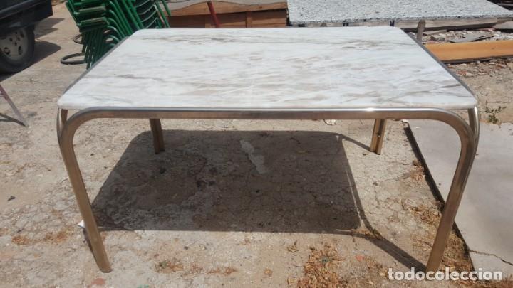 Mesa de comedor vintage con tapa de mármol. - Sold through ...