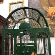 Vintage: ANTIGUA JAULA PARA PAJARO REALIZADA A MANO EN METAL Y MADERA - MEDIDA 38X24X49 CM. Lote 170919060