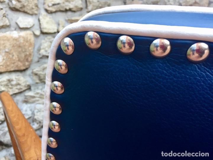 Vintage: Butaca, sofá, silla estilo escandinavo, nórdico.Midcentury. Azul marino blanco y caoba - Foto 8 - 170968908