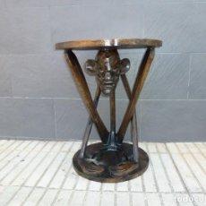 Vintage: MESA AUXILIAR EN MADERA TALLADA,PROCEDENTE DE CUBA.. Lote 172080367